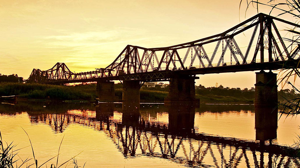 Long Bien Bridge- The evidence for Vietnamese heroic history