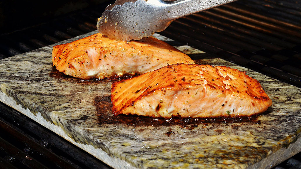 Grilled Salmon With Thyme and Lemon