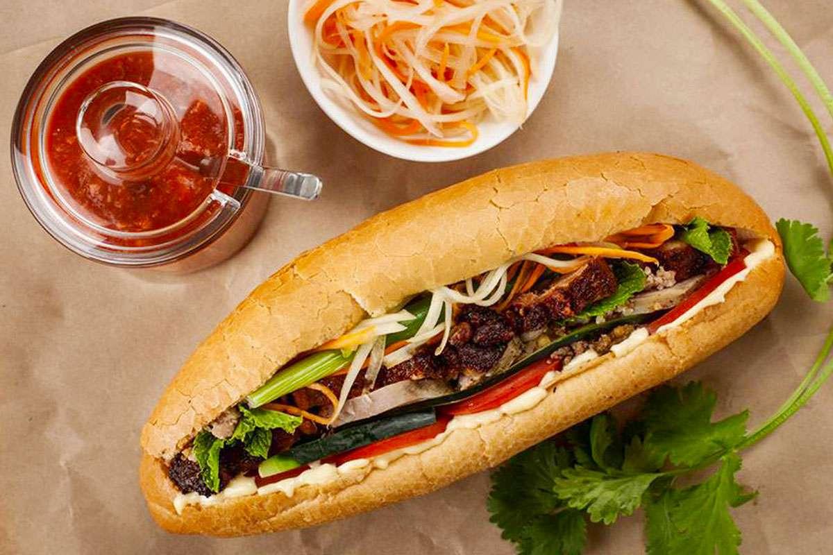 banh-mi-25-best-food-in-hanoi-old-quarter