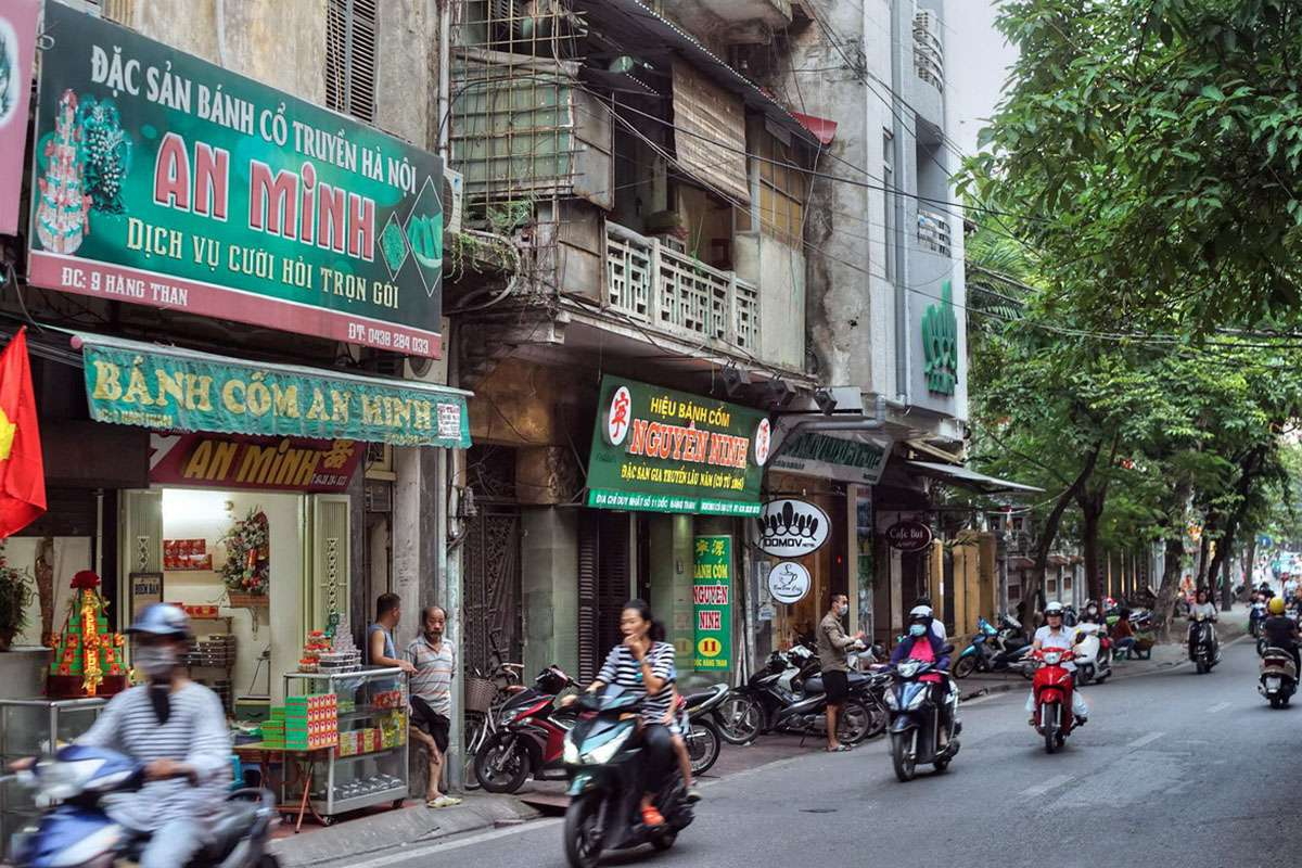 hang-than-street-best-food-in-hanoi-old-quarter