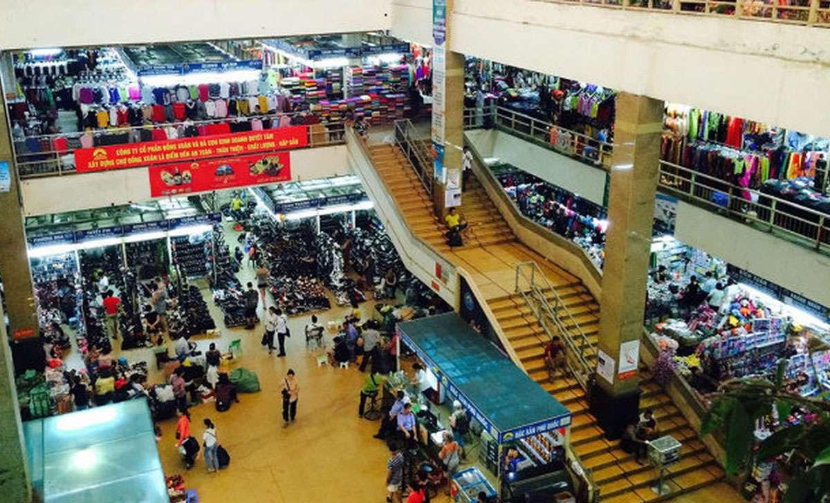 dong-xuan-market-inside